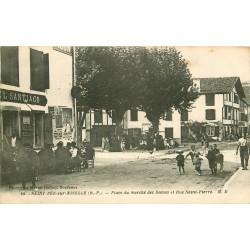 64 SAINT-PEE-SUR-NIVELLE. Place du Marché des Dames et Rue Saint-Pierre