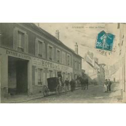 28 EPERNON. Attelage d'un Cheval au Fiacre devant Hôtel de l'Ouest tenu par Jauneau 1922