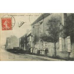 61 SAINT-LAMBERT-SUR-DIVE. Mairie et Ecole 1921