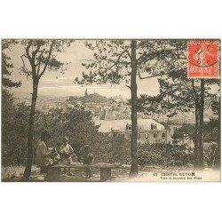 carte postale ancienne 63 CHATEL-GUYON. Femme et enfants dans les Pins 1927