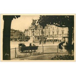 carte postale ancienne 63 CLERMONT-FERRAND. Nounous Place de Jaude. Galeries Lafayette