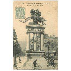 carte postale ancienne 63 CLERMONT-FERRAND. Statue Vercingétorix Rue Blatin vers 1907