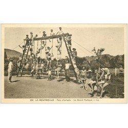 carte postale ancienne 63 LA BOURBOULE. Le Grand Portique Parc Enfants. Jeux de Cordes et Echelles