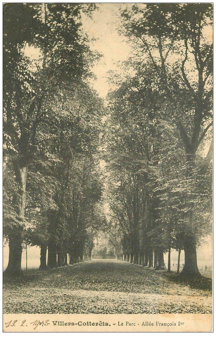 carte postale ancienne 02 VILLERS-COTTERETS. Parc. Allée François Ier 1913