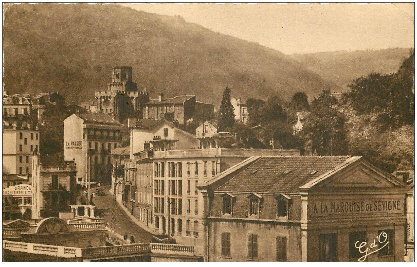 """carte postale ancienne 63 ROYAT. """""""" Marquise de Sévigné """""""" Hôtels de la Vallée 1957"""