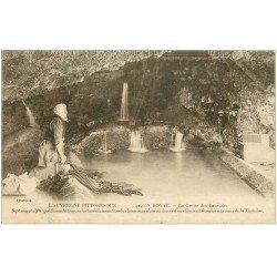 carte postale ancienne 63 ROYAT. Grotte des Laveuses Lavandières