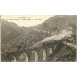 carte postale ancienne 63 THIERS. Train sur Viaduc du Grant Tournant. Ligne Lyon Clermont