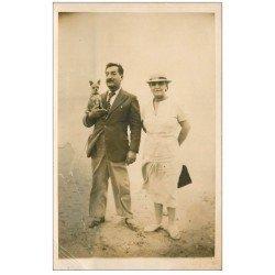 carte postale ancienne 34 PALAVAS-LES-FLOTS. Couple sur la Plage avec Chien 1936 carte photo