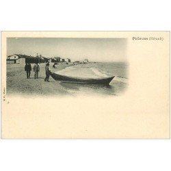 carte postale ancienne 34 PALAVAS-LES-FLOTS. La Plage barque vers 1900