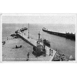 carte postale ancienne 34 PALAVAS-LES-FLOTS. Les Grandes Jetées 1936 carte photo