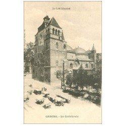 carte postale ancienne 46 CAHORS. Cathédrale et Marché vers 1900
