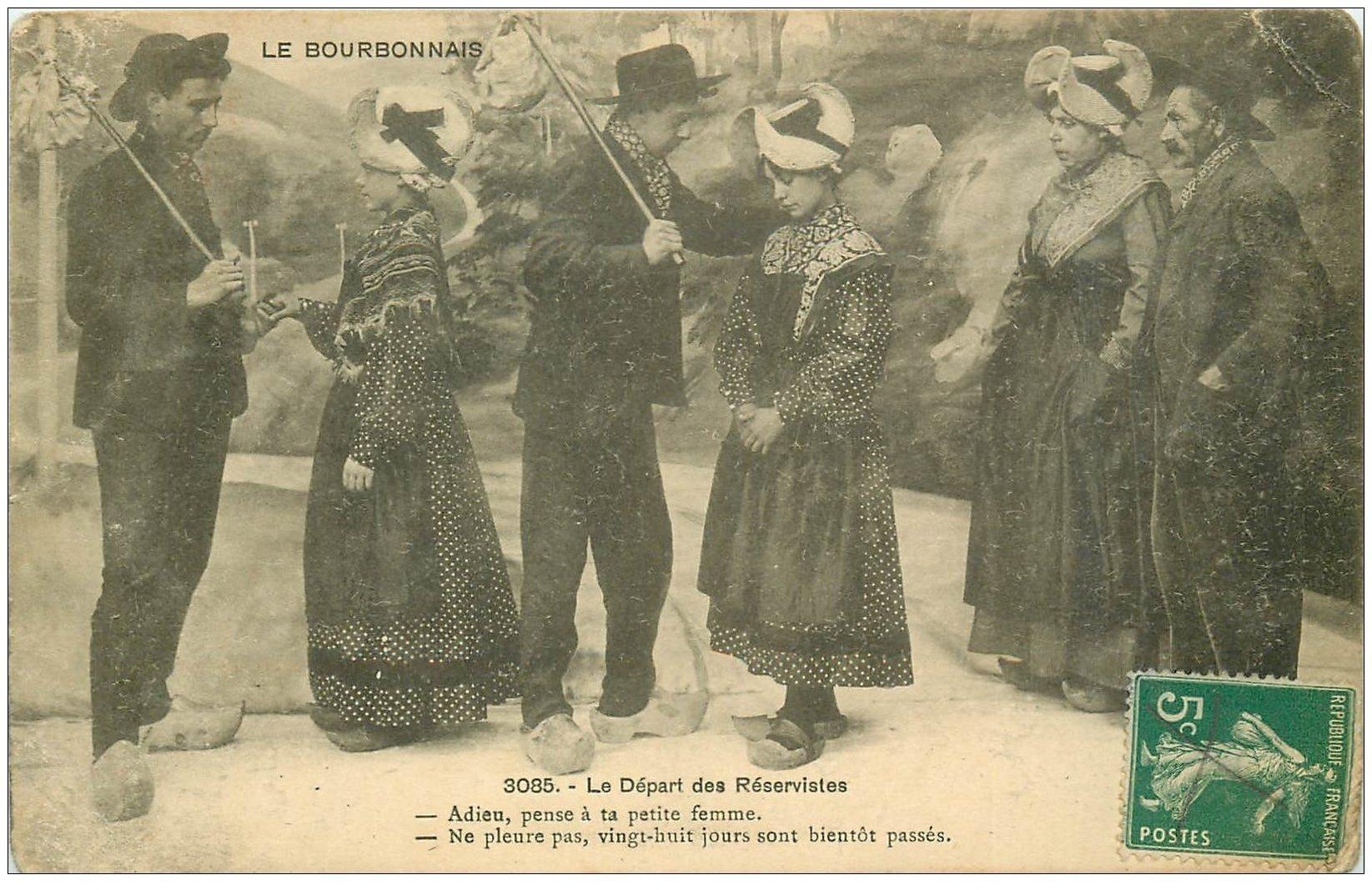 carte postale ancienne 03 BOURBONNAIS. Le départs des Réservistes 1915 avec baluchons