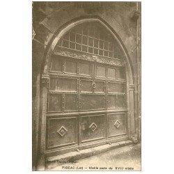 carte postale ancienne 46 FIGEAC. Vieille Porte (petite coupure 1cm)