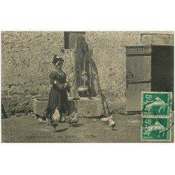 carte postale ancienne 03 BOURBONNAIS. Une Fermière avec poules 1910