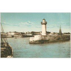 carte postale ancienne 17 ILE DE RE. Entrée du Port de La Flotte et son Phare