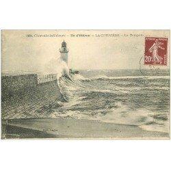carte postale ancienne 17 ILE D'OLERON. La Cotinière. La Tempête 1923 et le Phare