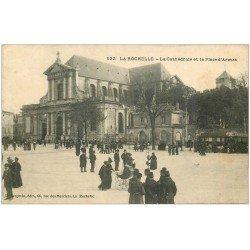 carte postale ancienne 17 LA ROCHELLE. Cathédrale Place d'Armes