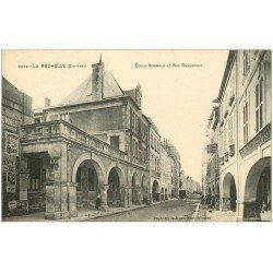 carte postale ancienne 17 LA ROCHELLE. Ecole Normale Rue Chaudrier. Pharmacie