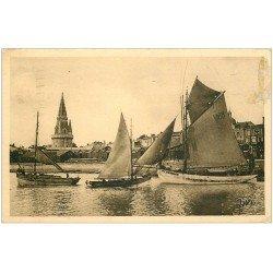 carte postale ancienne 17 LA ROCHELLE. Port et Tour de la Lanterne 1923