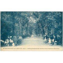 carte postale ancienne 17 ROCHEFORT-SUR-MER. Allée des Jardins de la Préfecture Maritime 1907 Nurses et landau