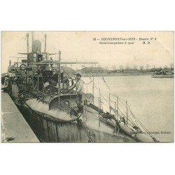 carte postale ancienne 17 ROCHEFORT-SUR-MER. Contre-Torpilleur à Quai au Bassin. Navire de Guerre et Matelots