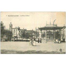 carte postale ancienne 17 ROCHEFORT-SUR-MER. La Place Colbert. Nurse et Landau