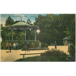carte postale ancienne 17 ROCHEFORT-SUR-MER. Le Square Roy-Bry vers 1930 Parat