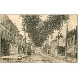 carte postale ancienne 17 SAINTES. Avenue Gambetta 1903