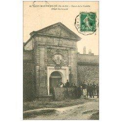 carte postale ancienne 17 SAINT-MARTIN-DE-RE. Entrée de la Citadelle. Dépôt des Forçats 1914