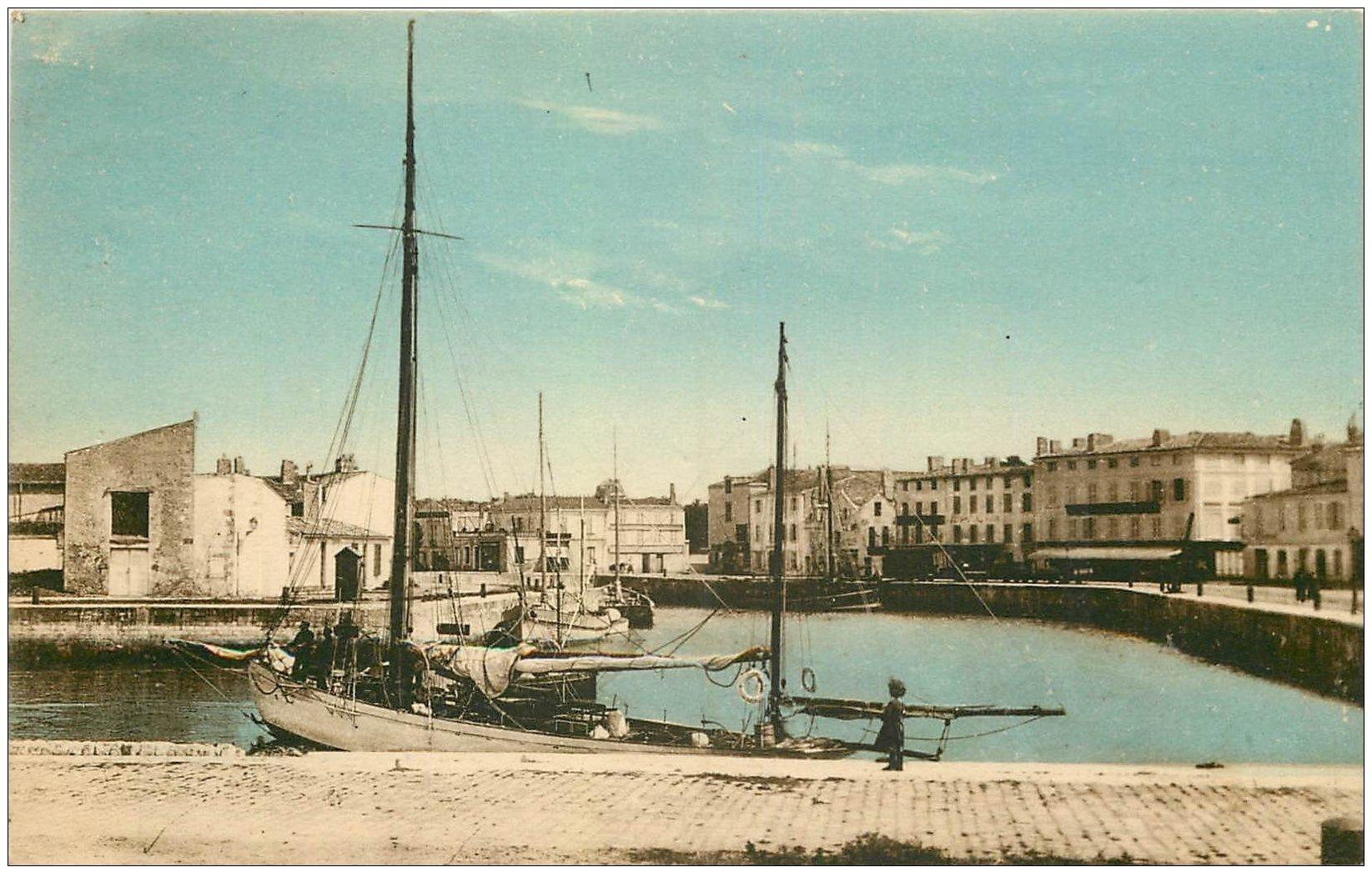 carte postale ancienne 17 SAINT-MARTIN-DE-RE. Le Bassin à Flot 1927