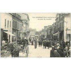 carte postale ancienne 03 COMMENTRY. Jour de Marché Rue de la Mine. Magasin SINGER et Tabac 1915