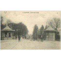 carte postale ancienne 18 BOURGES. Avenue de la Gare animée vers 1910