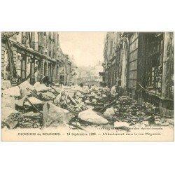 carte postale ancienne 18 BOURGES. Incendie 1928. L'éboulement dans la Rue Moyenne