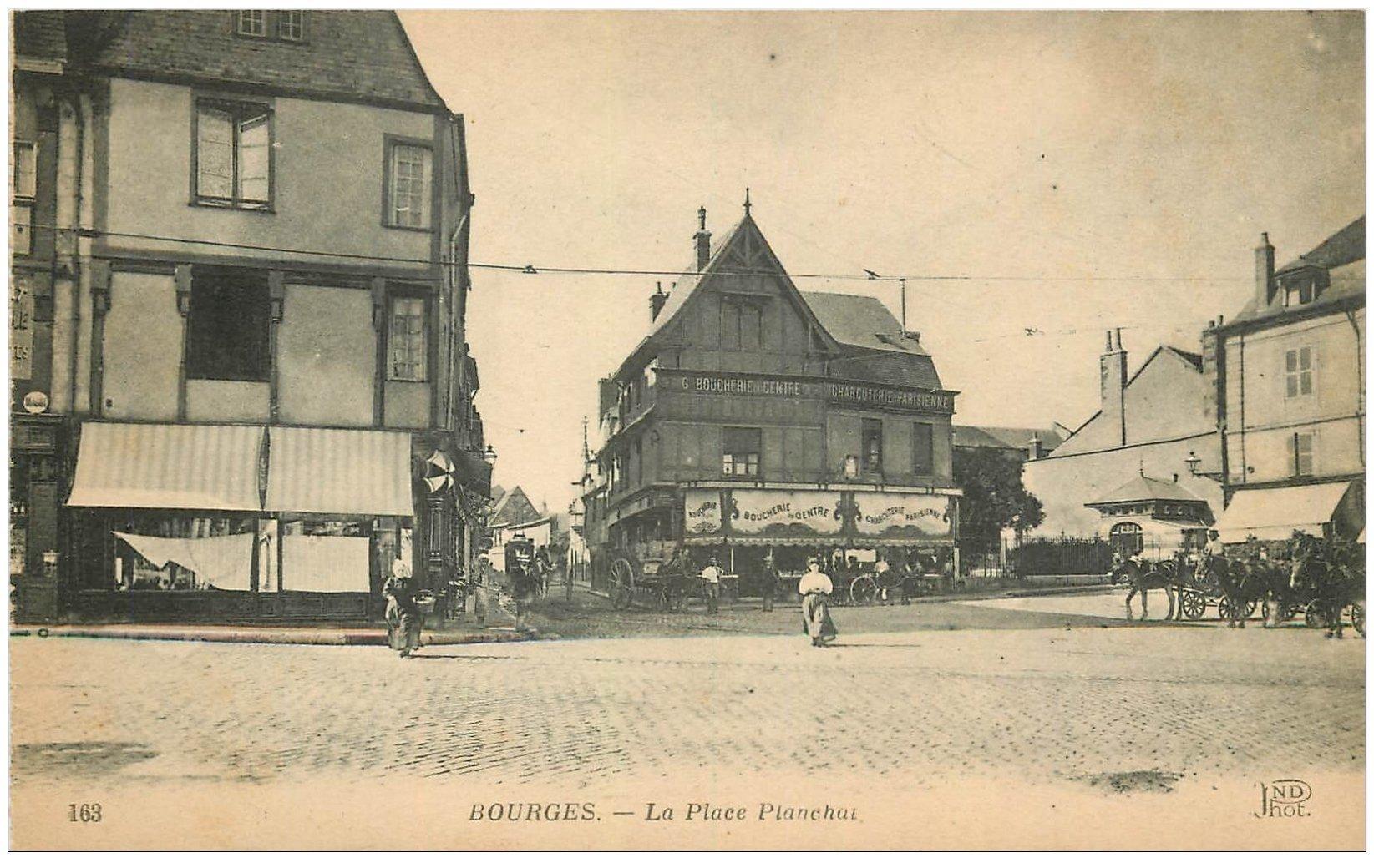 carte postale ancienne 18 BOURGES. La Place Planchat animée. Boucherie du Centre et Charcuterie Parisienne