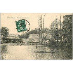 carte postale ancienne 18 BOURGES. Les bords de l'Auron animés transport en barque