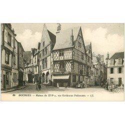 carte postale ancienne 18 BOURGES. Maison Rue Guillaume Pellevoisin animée. Boucherie et Friterie