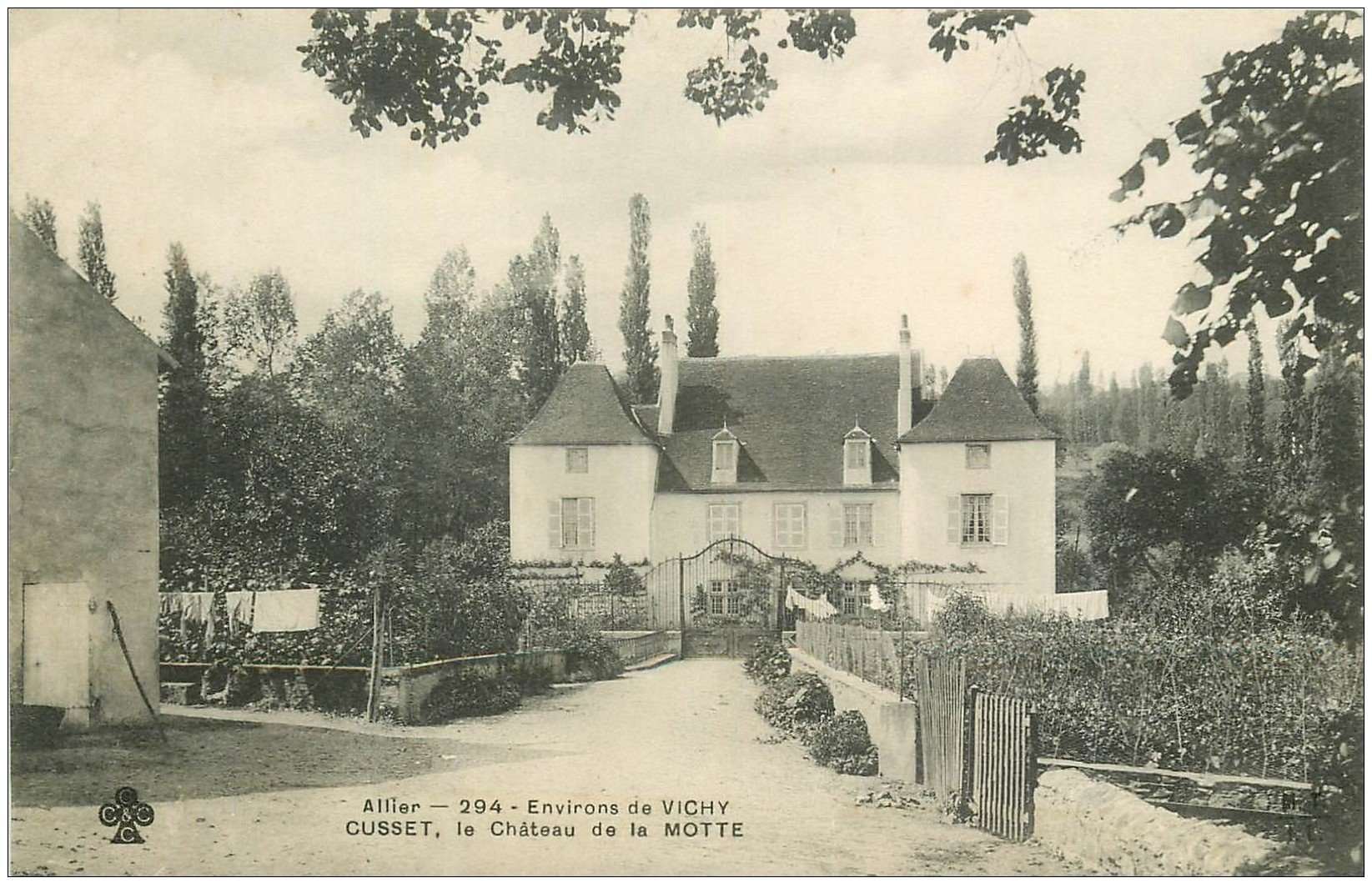 carte postale ancienne 03 CUSSET. Château de la Motte