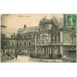 carte postale ancienne 18 VIERZON. La Mairie et la Poste avec Facteur 1913