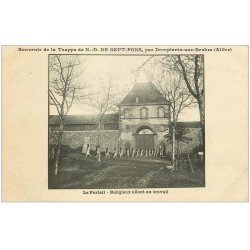 carte postale ancienne 03 DOMPIERRE-SUR-BESBRE. Sept-Fons. Religieux au travail