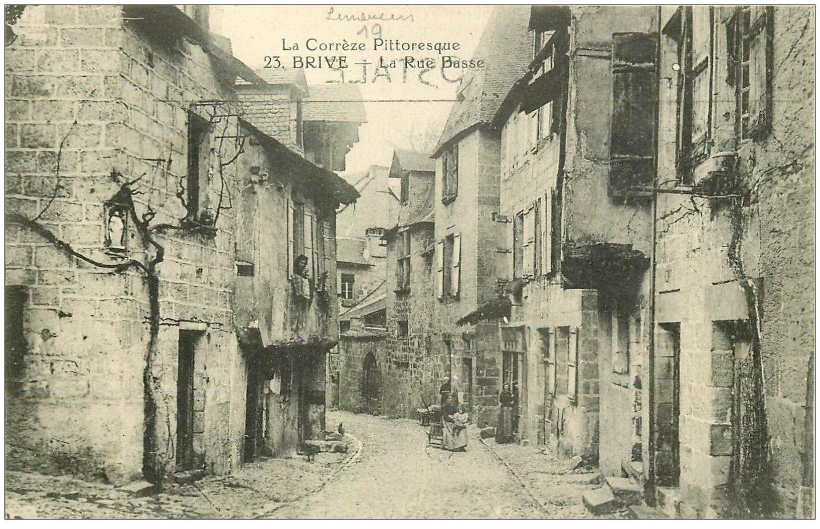 carte postale ancienne 19 BRIVE. La Rue Basse