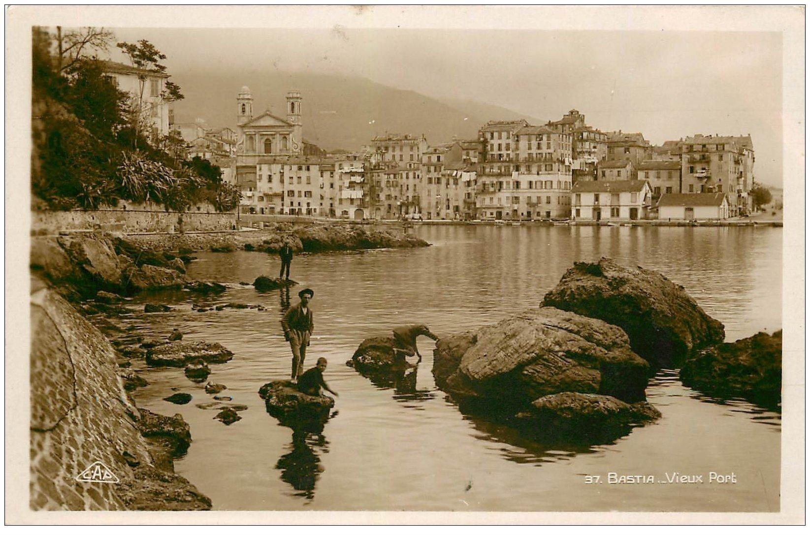 carte postale ancienne 20 BASTIA. Le Vieux Port animé. Carte Photo n°37