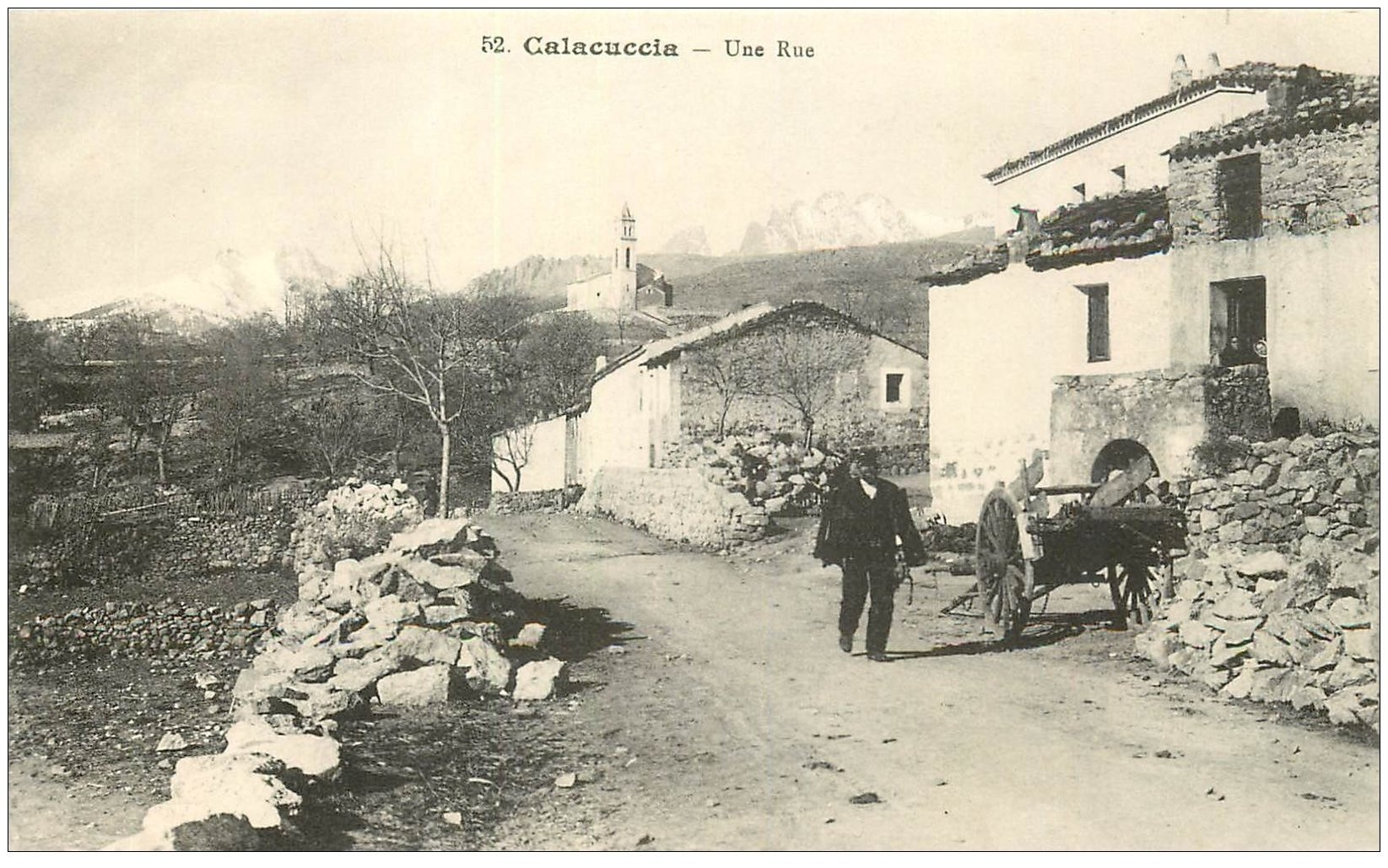 carte postale ancienne 20 CORSE. Calacuccia. Une Rue du Village