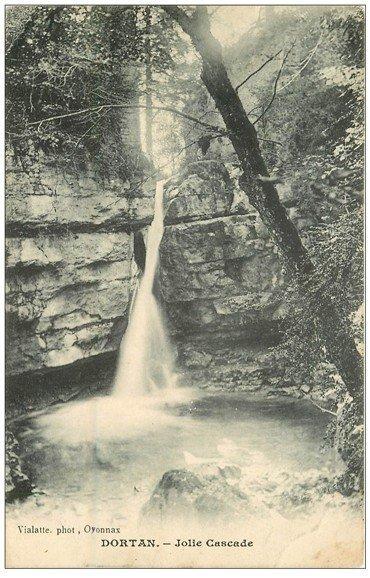carte postale ancienne 01 Dortan. Jolie Cascade 1909