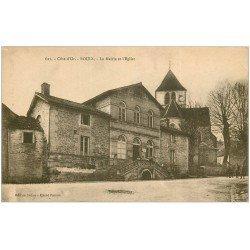 carte postale ancienne 21 BOUIX. Mairie et Eglise 1922. Femmes sur l'escalier et Soldats à pied