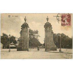 carte postale ancienne 21 DIJON. Entrée des Allées du Parc 1925
