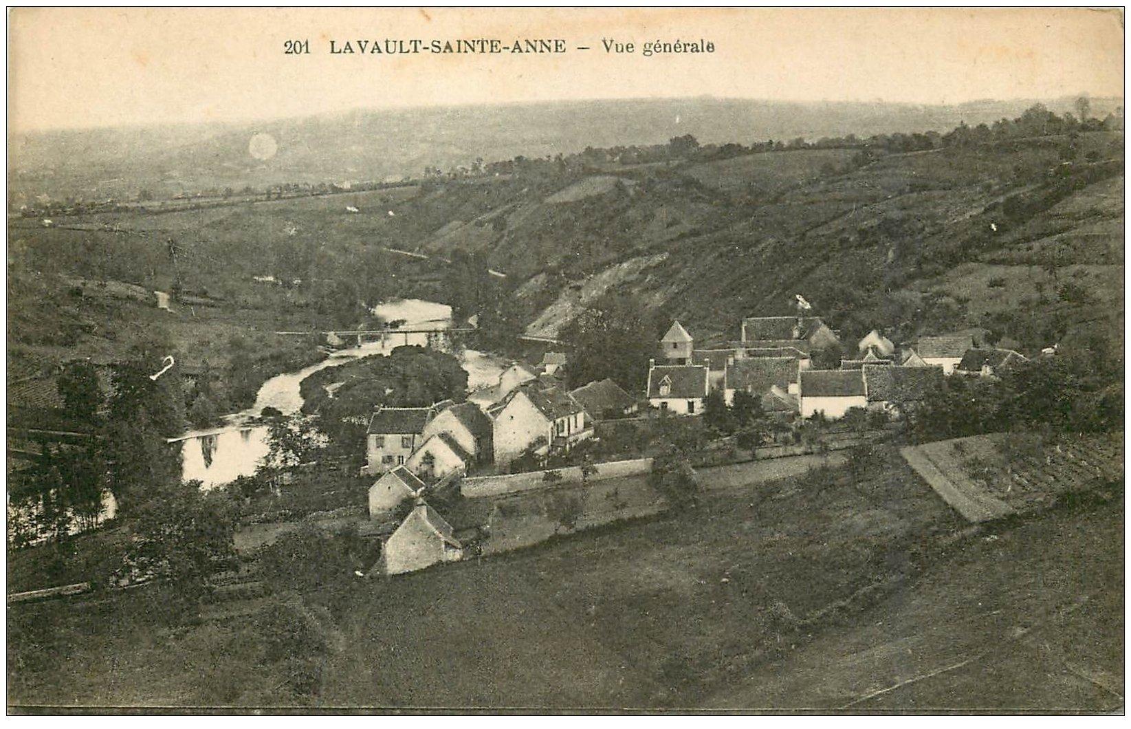 carte postale ancienne 03 LAVAULT-SAINTE-ANNE. Vue générale du Village