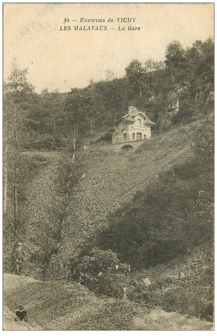 carte postale ancienne 03 LES MALAVAUX. La Gare 1918