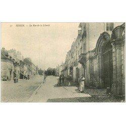 carte postale ancienne 21 SEMUR. La Rue de la Liberté