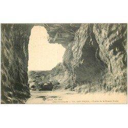 carte postale ancienne 22 CAP FREHEL. Entrée de la Grande Grotte 1923