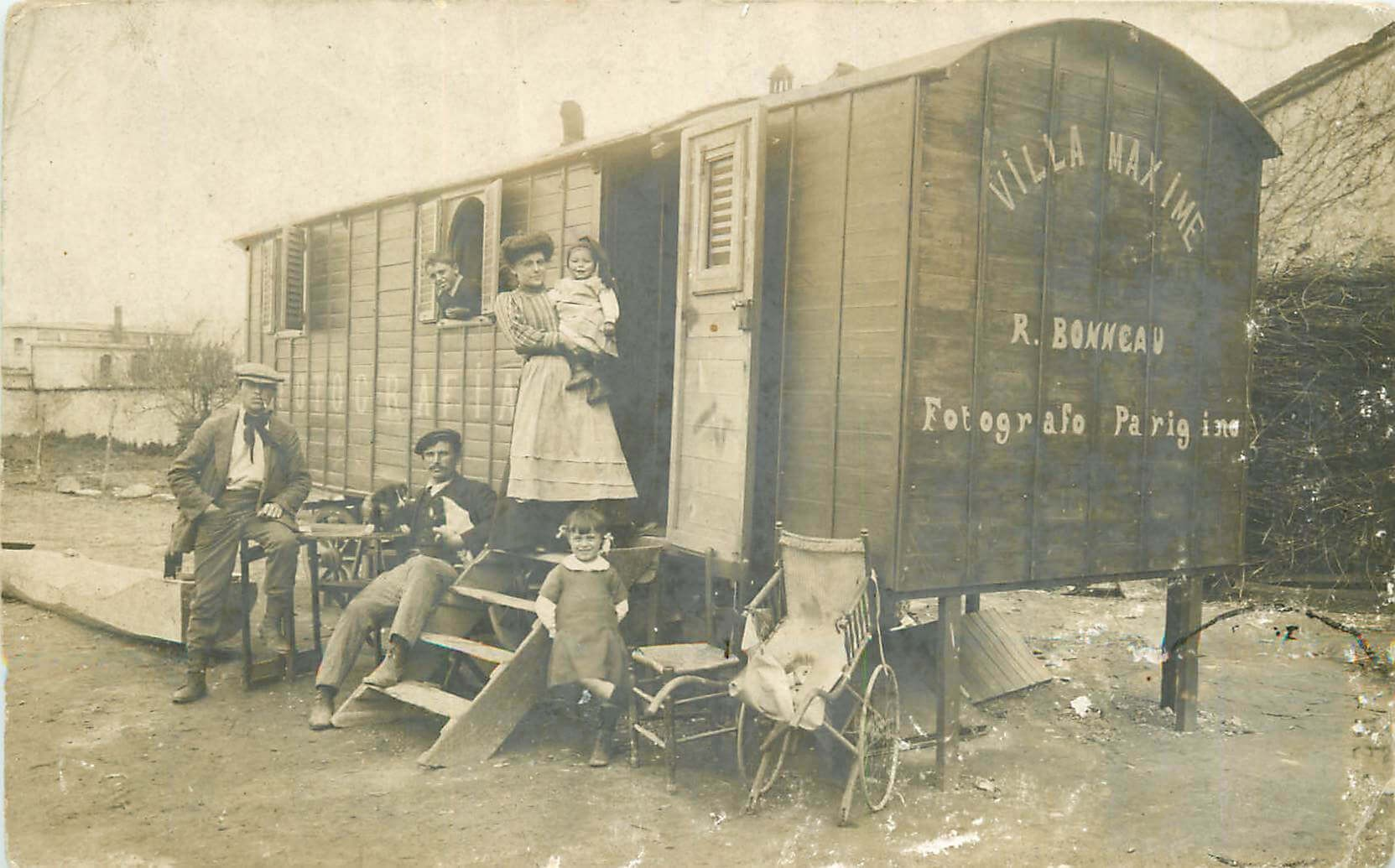 une carte postale ancienne de collection